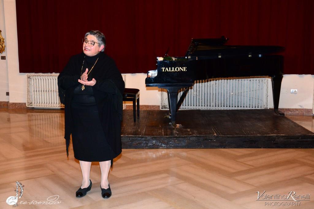 d Professoressa Anna Maria Ferrone