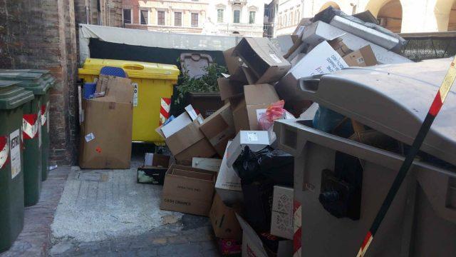 rifiuti centro storico