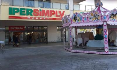 supermercato centro commerciale Arcobaleno