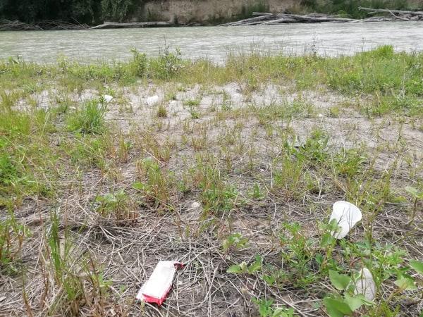 rifiuti fiume Esino (4)