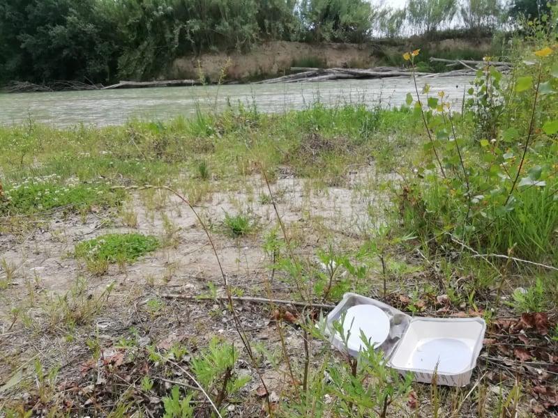 rifiuti fiume Esino (6)