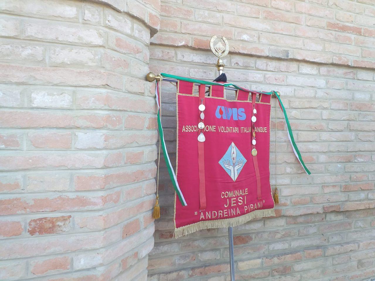 esterno funerali fiorella scarponi (2)