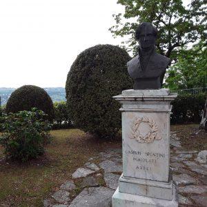 Foto busto in bronzo di Gaspare Spontini, copia