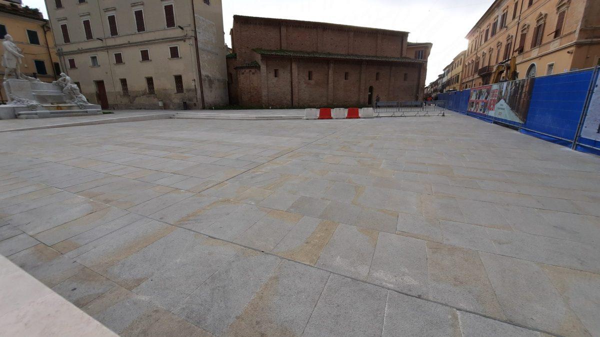 piazza pergolesi paviementazione gialla