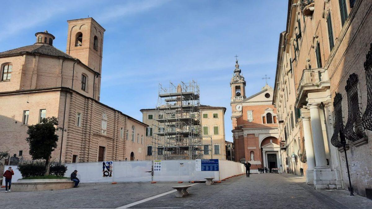 jesi lavori in piazzale Duomo