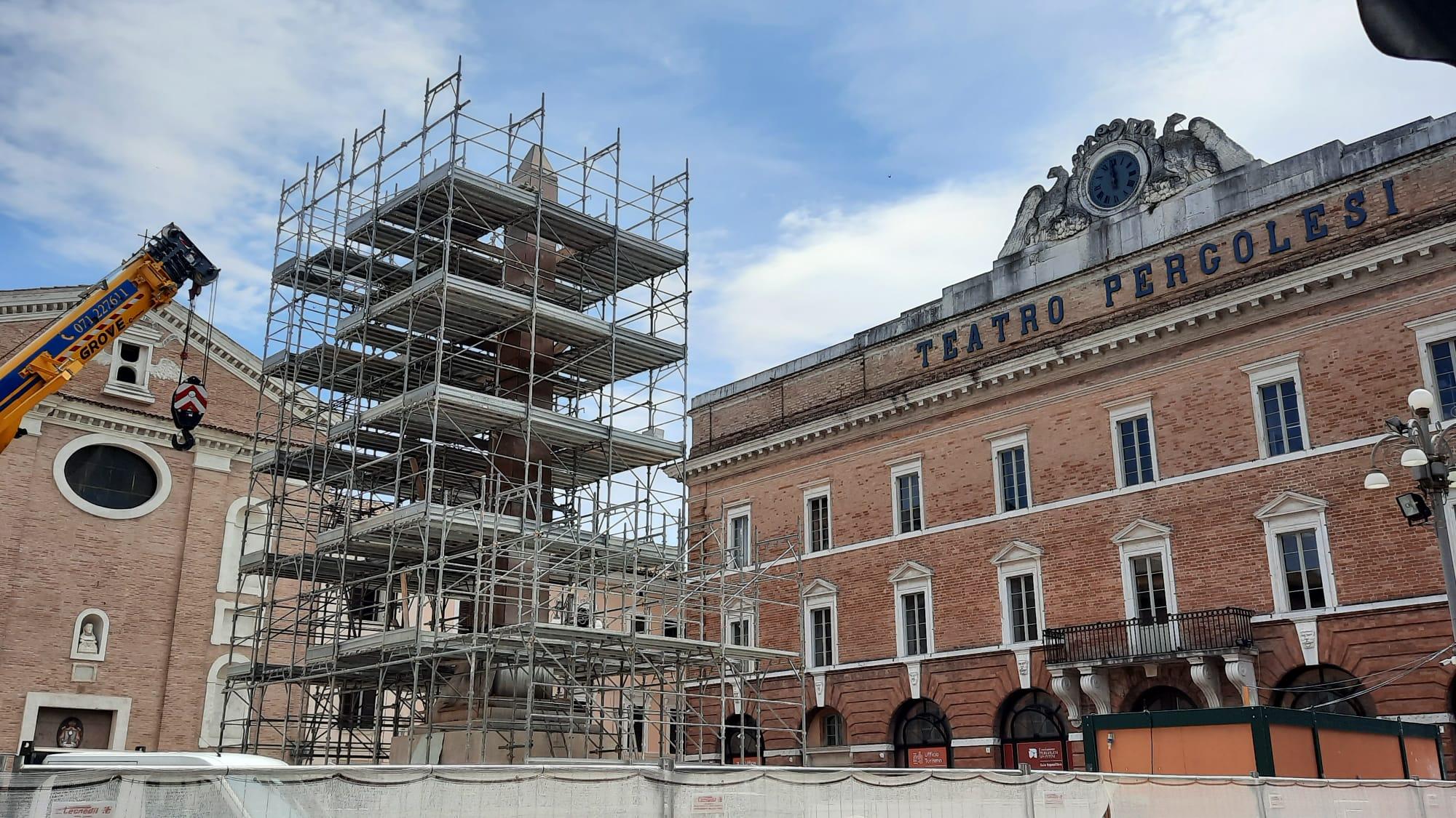 obelisco piazza Pergolesi