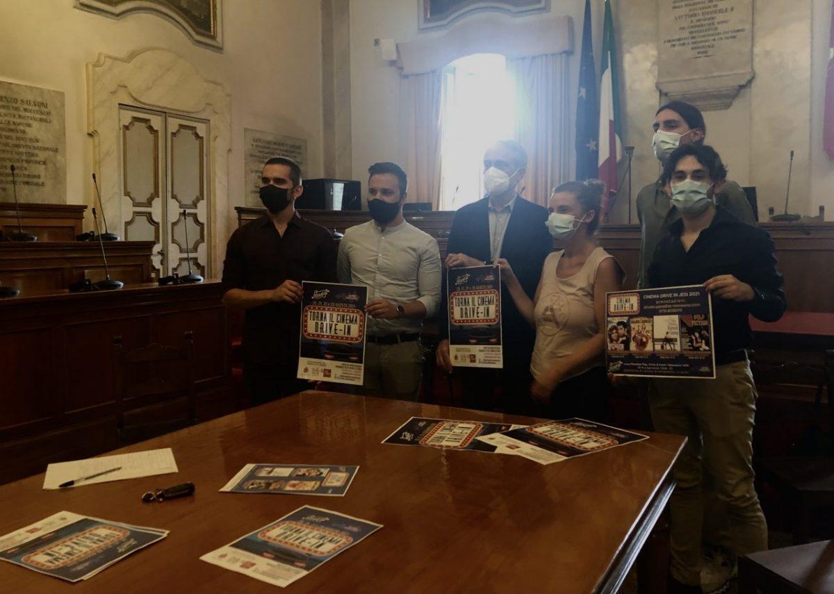 Drive-in, Luca Butini presenta l'iniziativa al Comune di Jesi