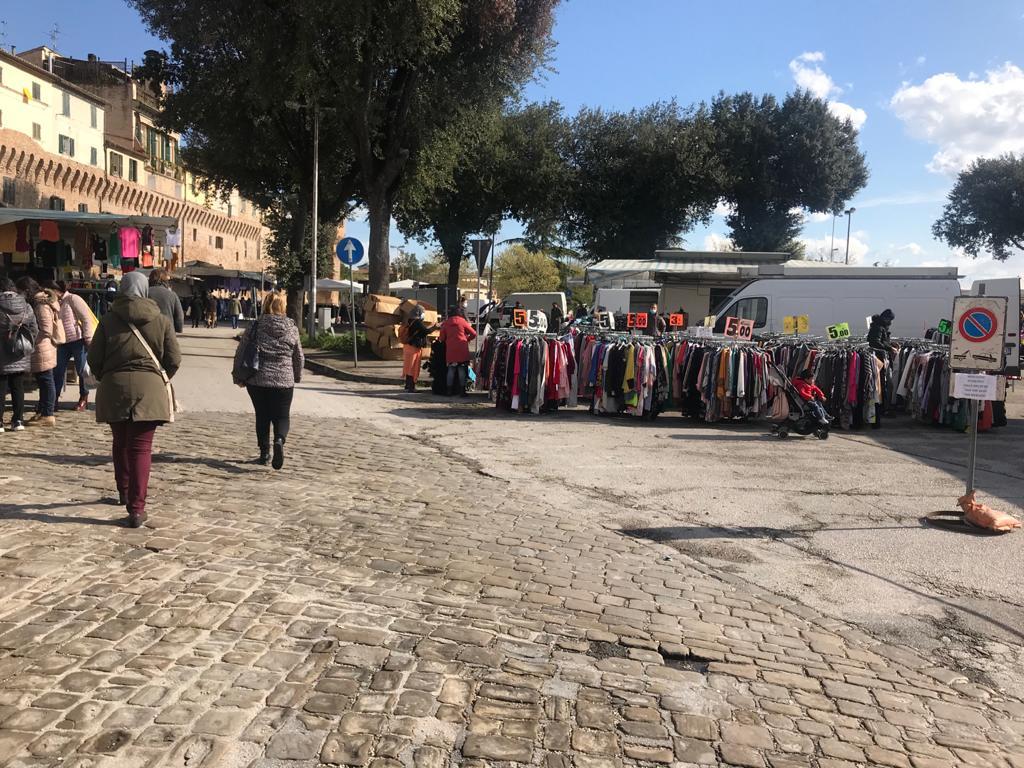 mercato a pota valle